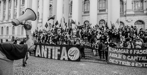 Antifa: Contra quién estar y junto a quién luchar. Entrevista a Mark Bray, autor del libro El manual de Antifa.