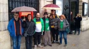 La PAH consigue la suspensión del deshaucio en Santillana del Mar