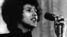 Entrevista a Elaine Brown, ex- dirigente del Black Panther Party (Panteras Negras)