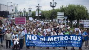 La gente vuelve a tomar la calle en rechazo del MetroTus