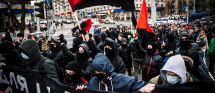 Entrevista a Peter Gelderloos: «Lo bueno es que la revolución siempre es posible. Lo triste es que depende de nosotras y nosotros»